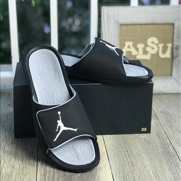 814a00c11376c NWT Nike Jordan Hydro 6 Black M AUTHENTIC
